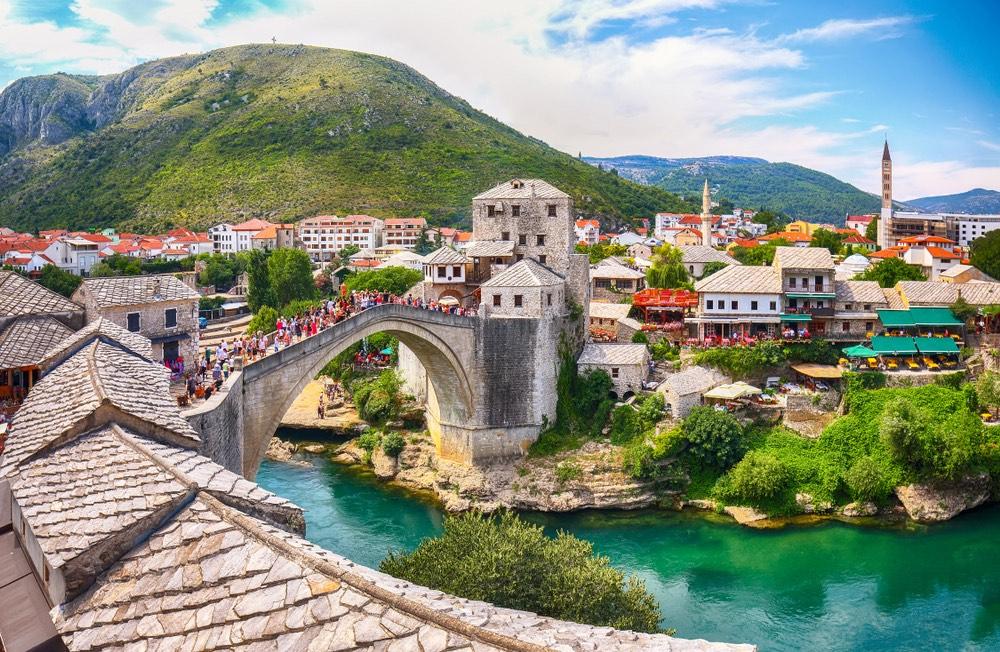 Mostar: mesto v Bosne satmosférou orientu