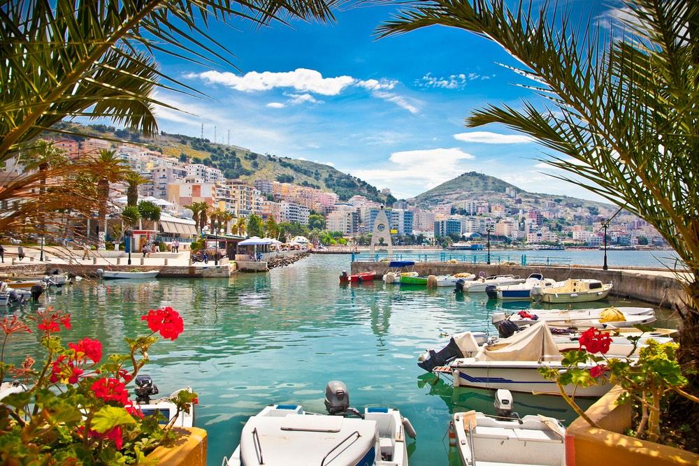Saranda v Albánsku: neobjavená krása Jadranu